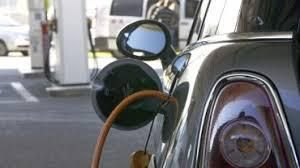 Rouler avec une  voiture électrique et son certificat de conformité