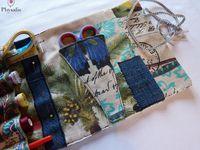 """Deuxième version de la pochette à nécessaire de couture, motif """"carnet de voyage""""."""