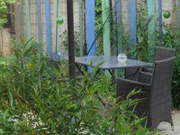 Banc en pallete, potager aromatique en palette (http://www.stephaniebricole.com/archives/2014/06/17/30094333.html), planches de chantier et chutes de terrasse, terrasse en mélèze, arche en palette (orange farmhouse), ponton