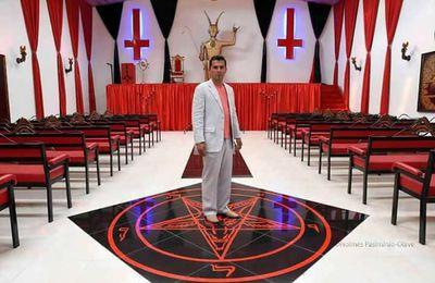 L'Église de Lucifer a ouvert en Colombie.