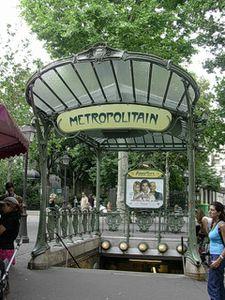 Metro.-Hector-Guimard-Abbesses-DSCN1991.JPG