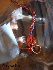 collier torsadé rouge et mauve