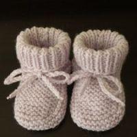 1001 petits chaussons au tricot pour bébés