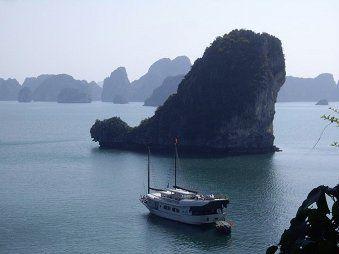 Viet baie Halong