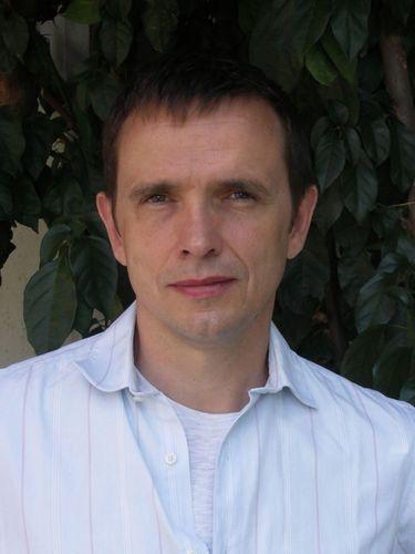 Jean-Marie-Besset-auteur-sur-tous-les-fronts_portrait_w532.jpeg