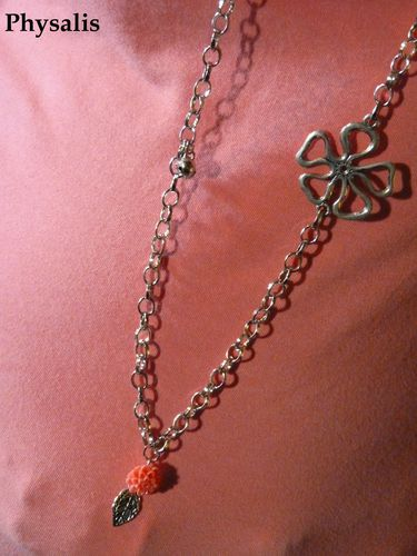 collier fleur corail détail 2