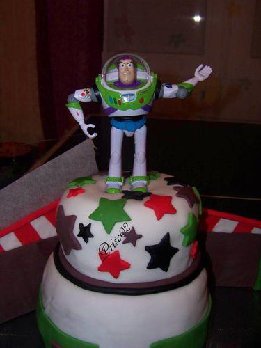 Gateau Danniversaire Buzz De Toy Story Le Blog De