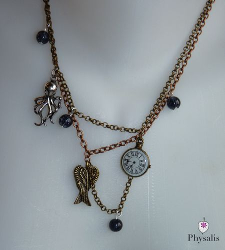 détail collier steampunk