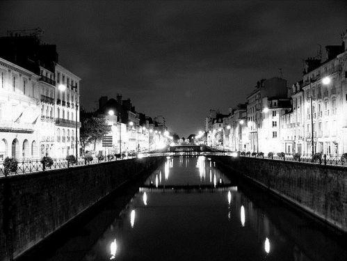 Rennes--la-nuit-par-Marc-Salmon-copie-1.jpg