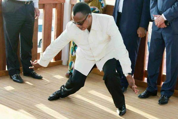 """Résultat de recherche d'images pour """"sassou nguesso danse"""""""