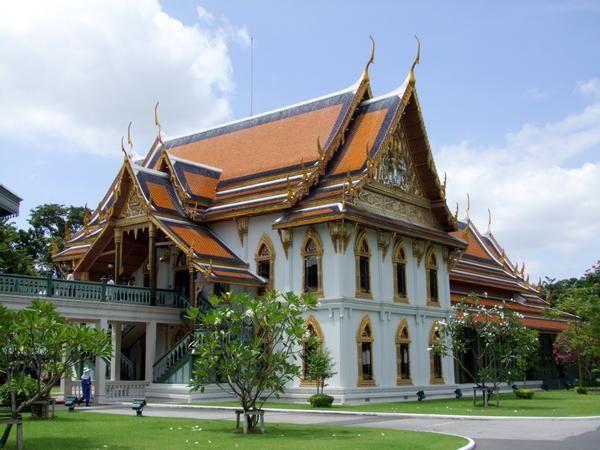 palais de Sanam Chan