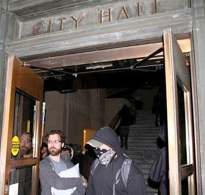occuppy-hotel-de-ville-Oakland.jpg