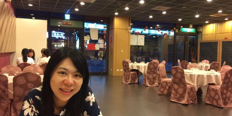 【愛吃府城】雨荷舞水,大使餐廳的成大分店,適合家庭聚餐的不擁擠中式餐廳