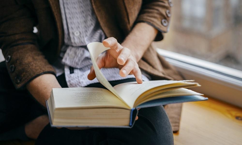 Az ya da Çok! Her Gün Biraz Kitap Okuyun!