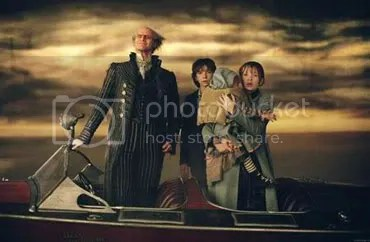 The main cast of Lemony Snicket. L to R - Jim Carrey, Liam Aiken, The Hoffman Twins & Emily Browning