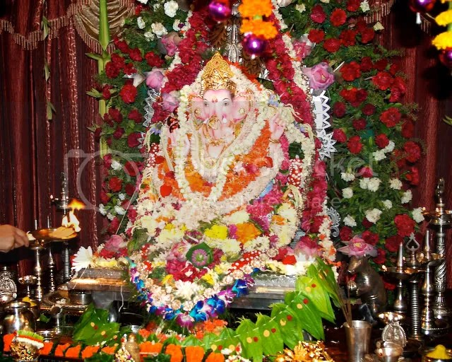 Aarti of Ganapati Mumbai Arun Shanbhag