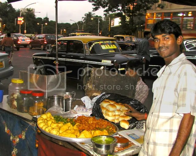 picture of vada pav colaba mumbai food