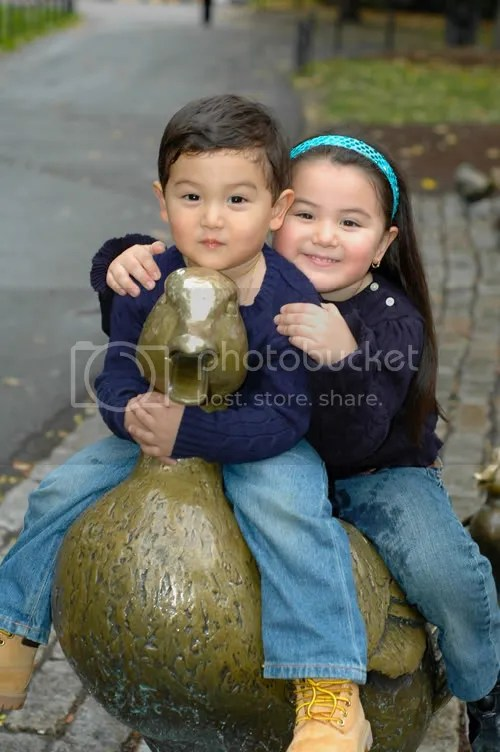pics of kids with Make Way for Ducklings in Boston Public Garden by Arun Shanbhag