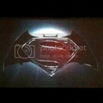 photo batman-superman-logo_zps27aac82a.jpg