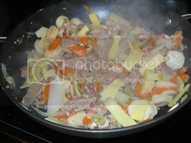 Add waterchestnuts, beef and bamboo shoots