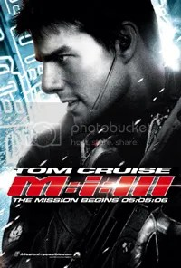 Oooohhh... another movie poster with Tom Cruise's big head. How original.