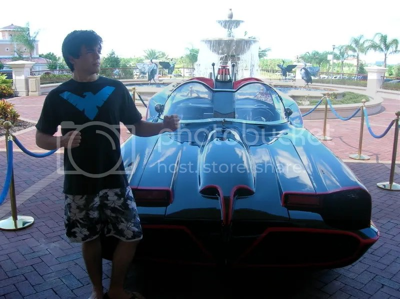 batmobile with nightwing