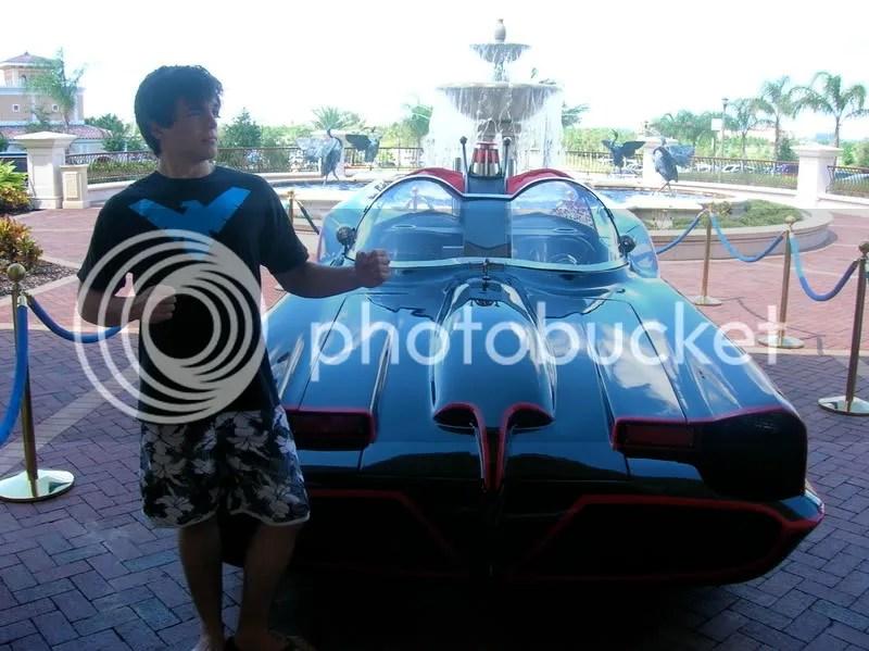 batmobile with nightwing