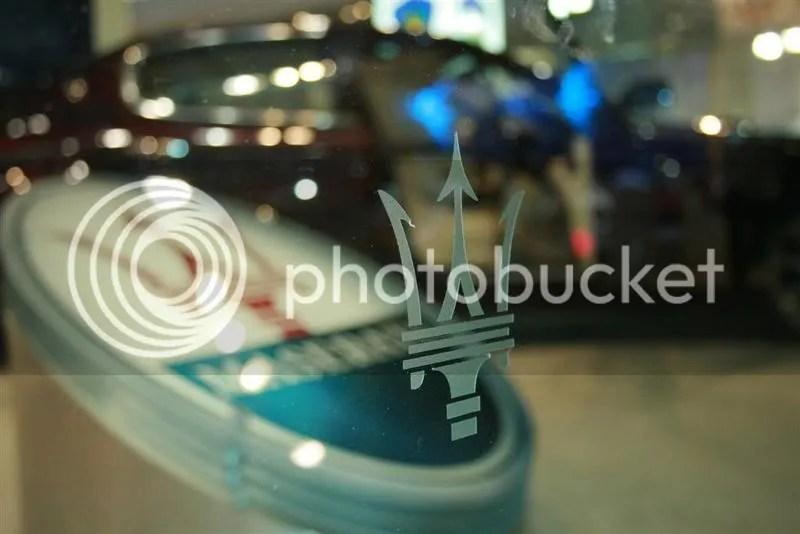 Maseratti's custom display glass fences