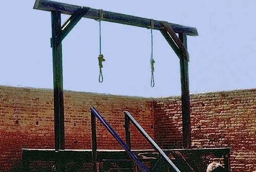 [Image: tomb-gallows-at_zps4c0f9ef5.jpg]