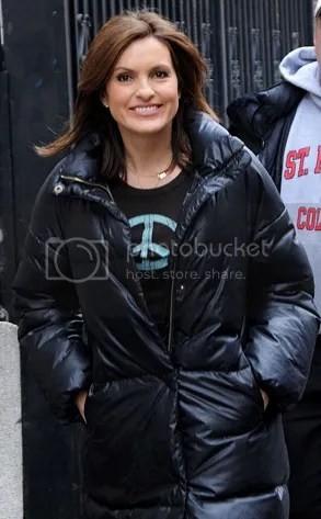 https://i2.wp.com/img.photobucket.com/albums/v20/Blackcat666x/IMVU/River%20Marked/293adMariskaHargitay021109_zpse11e4d88.jpg