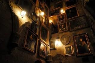 https://i2.wp.com/img.photobucket.com/albums/v20/Blackcat666x/PortraitHall_zpsa0f7645b.jpg