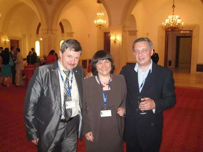 Yours truly with Grigory Amnuel of International Dialogue and Tengiz Pkhaladze, Chairman of the International Center for Geopolitical Studies, Georgia