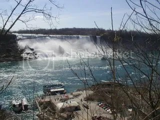 some place near Niagra Falls> <IMG src=