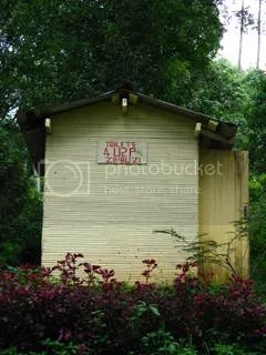 Text speak meets the outhouse