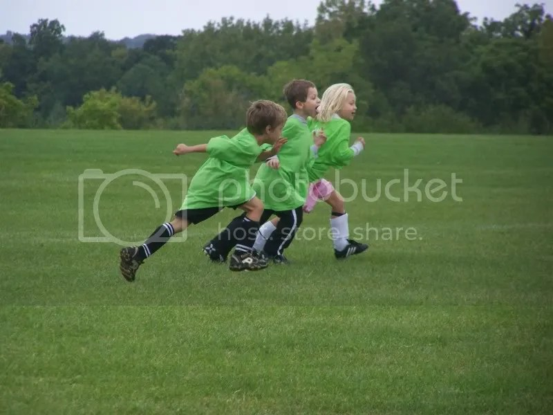 Running the RIGHT way down the field with 2 more members of the kiwi cleat patrol!