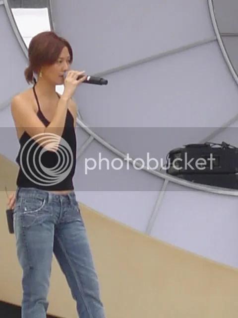 YanZi Singing.