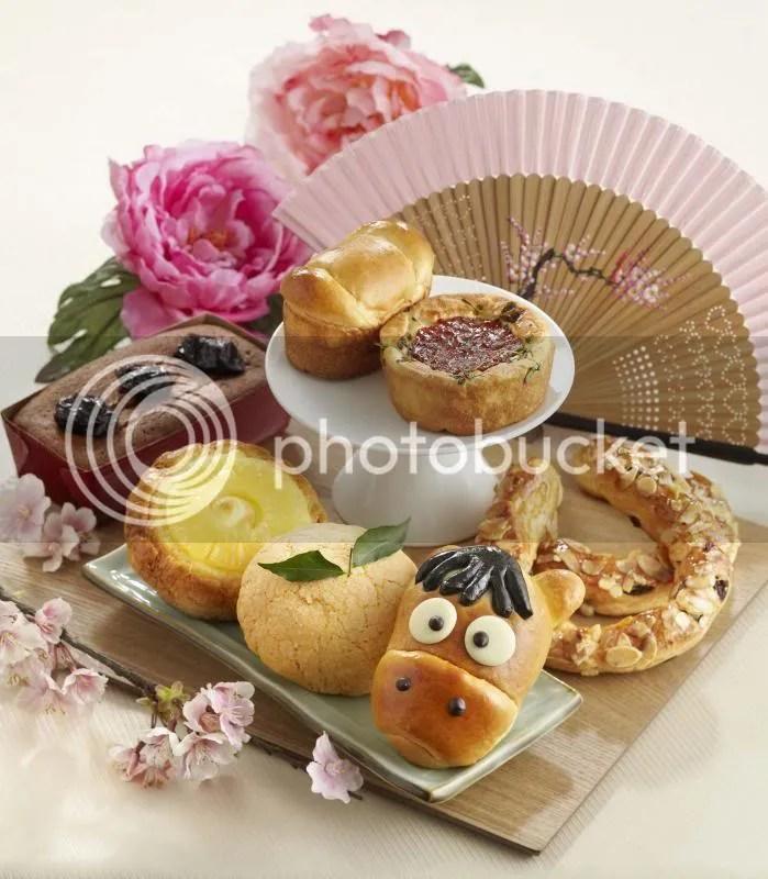BreadTalk-CNY2014bun Assemble