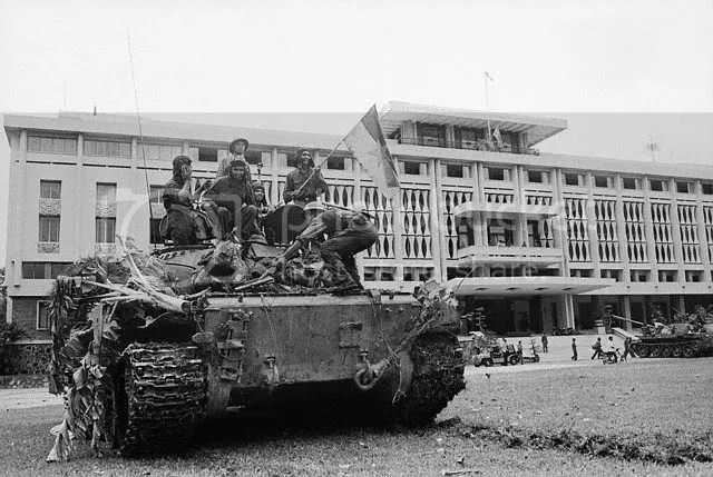 Bui Quang Than, comrades and the first tank
