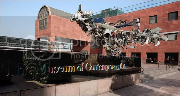 photo MOCA_Museum-of-Contemporary-Art_design-by-Arata-Isozaki_dian-hasan-branding_LA-CA-US-1_zpsc09ad7c8.png