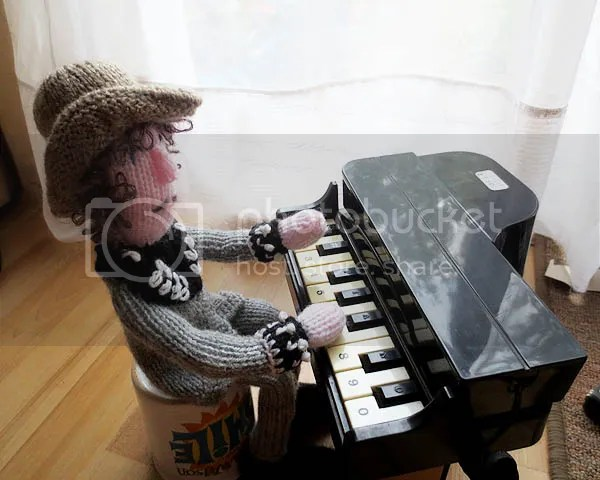 photo piano1_zpsc9ccc9ba.jpg