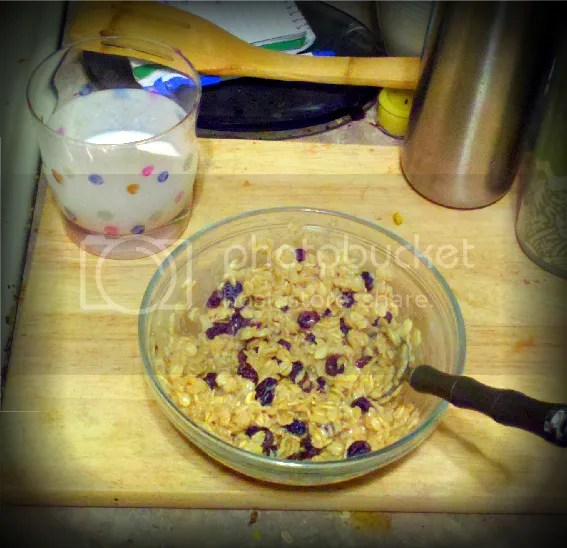 Oatmeal and a glass of kefir