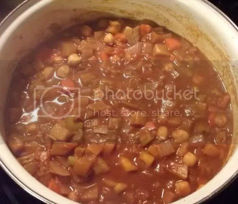 very veggie chili cooking