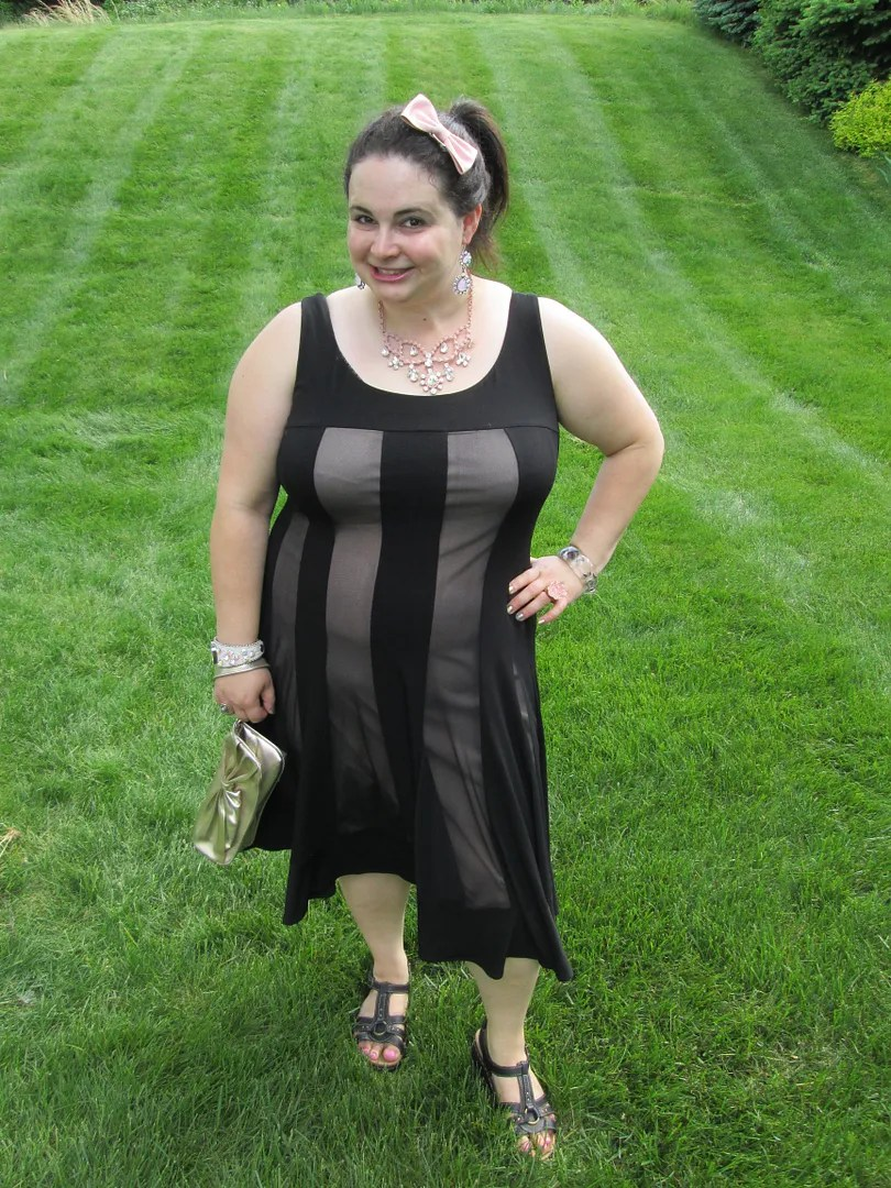 plus size outfit black and beige striped dress with pink and gold accessories
