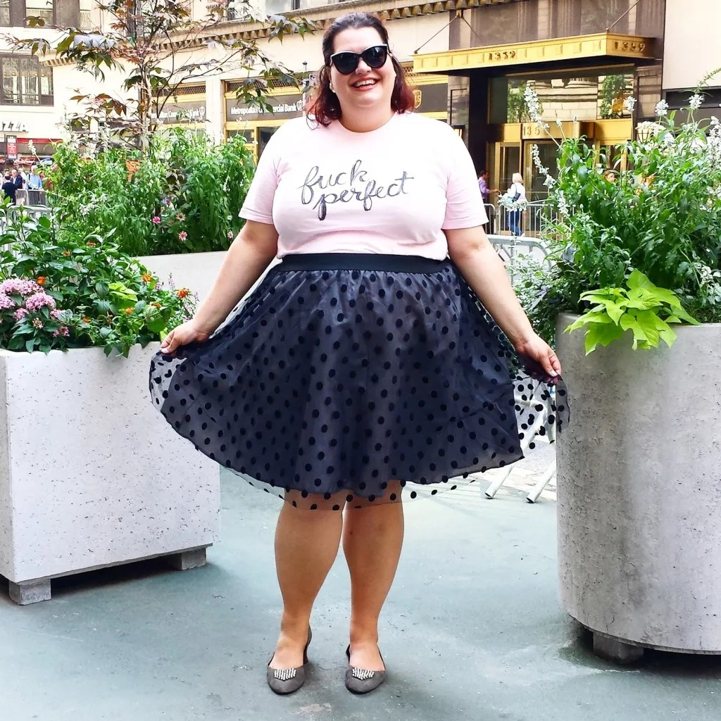 plus size outfit with pink