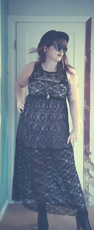 plus size outfit with long black and beige lace dress and black bowler hat