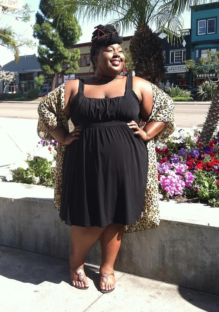 plus size outfit black sundress and leopard jacket