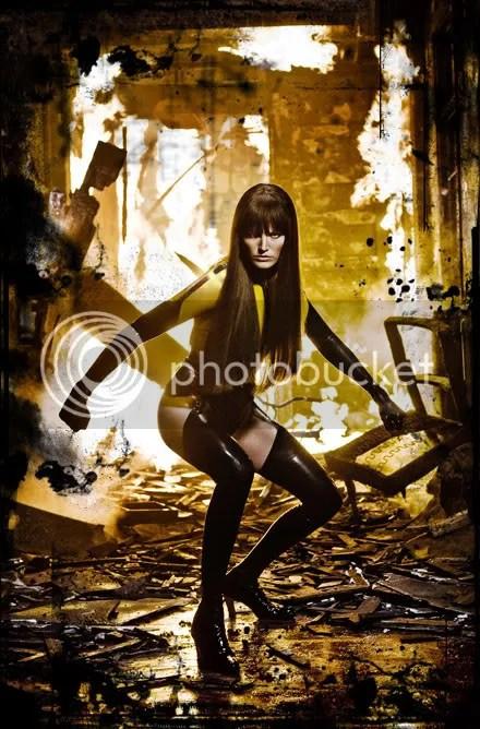 Nice legs Silk Spectre, but fighting crime in heels?