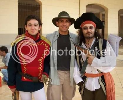 Los actorazos Armando como el soldadito, Toño como el pirata y Miguelito como el director del corto.