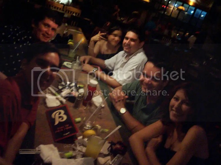 la foto donde se ve la mesa cochina, :P