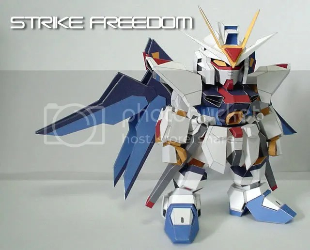 SD Freedom gundam Papercraft